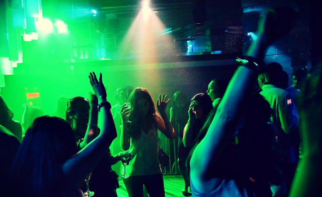 Clubs In Birmingham- Birmingham-Taxi