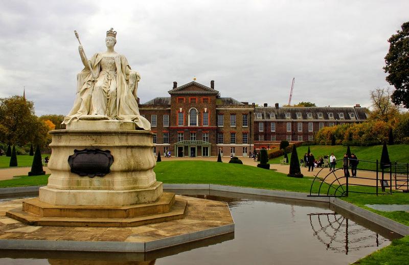 Kensington-Palace- Birmingham Taxi