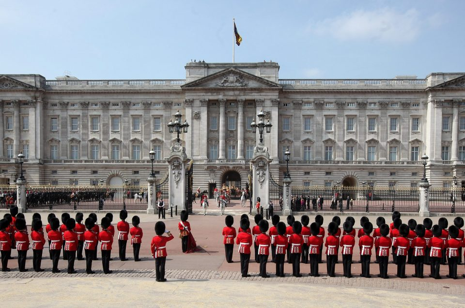 buckingham-palace-guards- Birmingham Taxi
