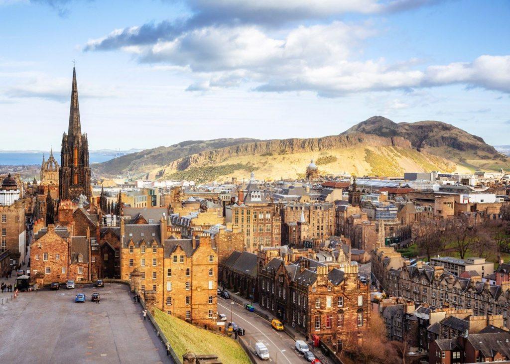 Edinburgh Castle and New Town - Birmingham Taxi